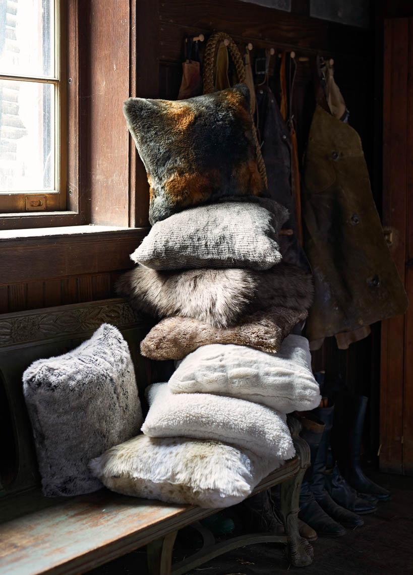 alec-hemer-photography-PB-faux-fur-pillows